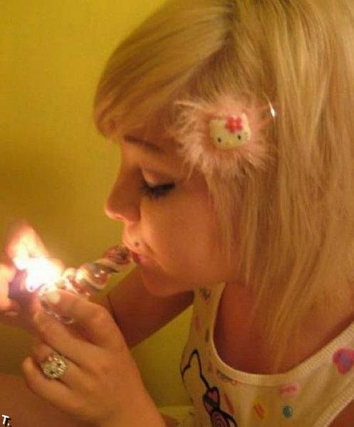Девушки курят (45 фото)
