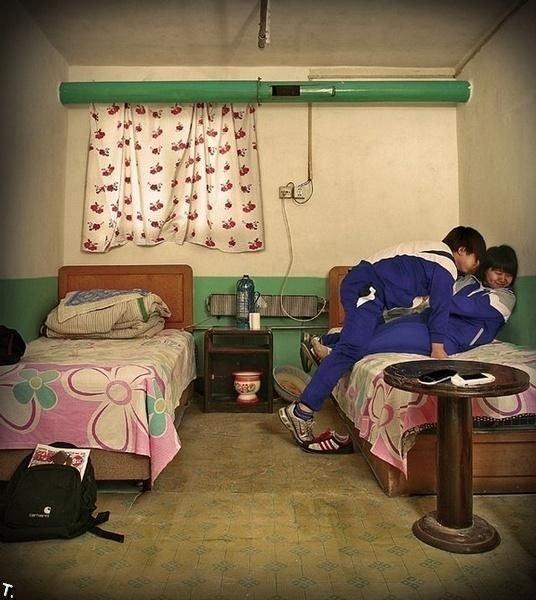 Что можно увидеть в гостиничном номере в Китае (11 фото)