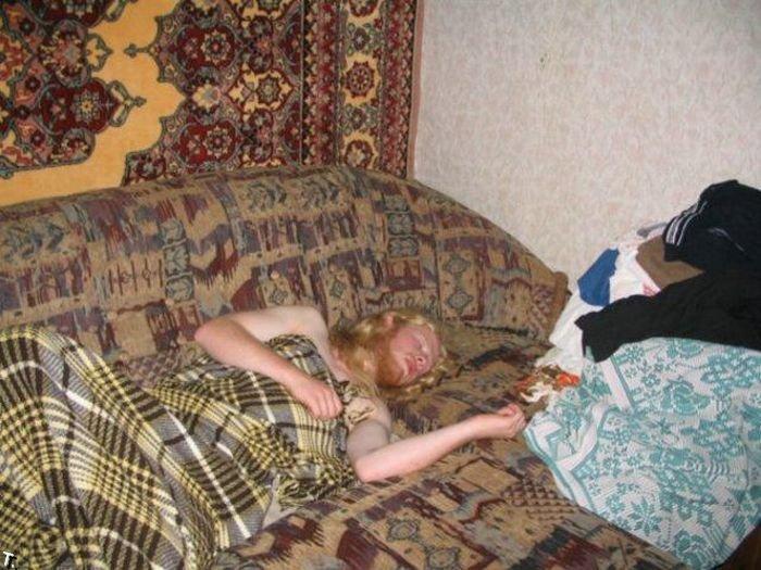 афиша пьяная жена на фото это будет ребенок