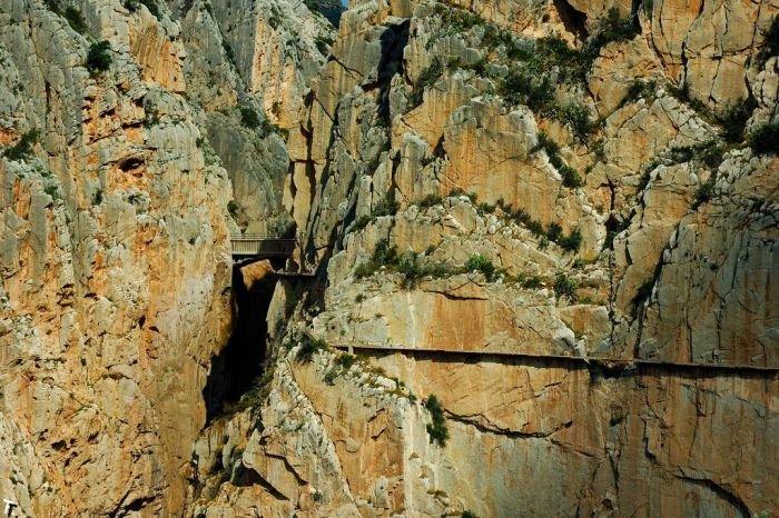 Опасный маршрут - Королевская тропа в Испании (19 фото)
