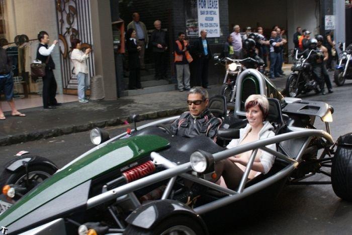 Boobs on Bikes 2009 в Новой Зеландии (38 фото)