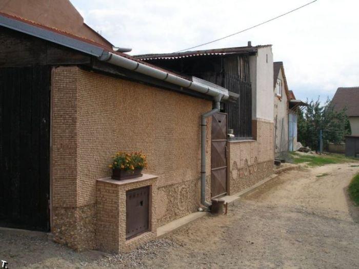 Дом из винных пробок (10 фото)