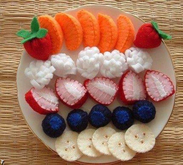 Вязаная еда (17 фото)