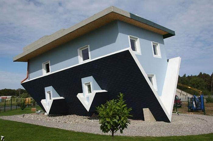 Дом вверх ногами (8 фото)