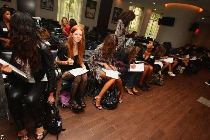 Кастинг моделей Victoria's Secret в Нью Йорке (10 фото)