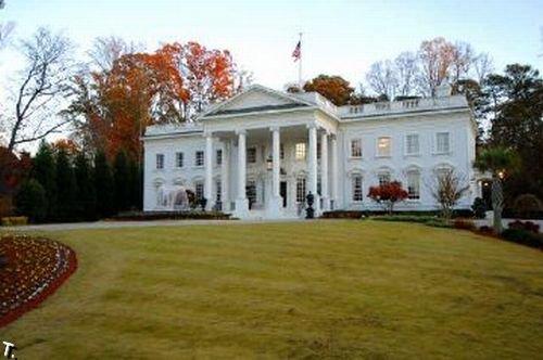 Белый дом продается (18 фото)