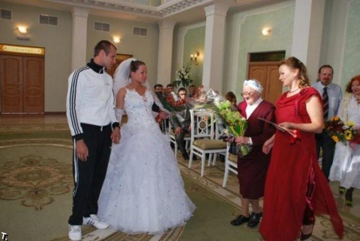 Жених в спортивном костюме (20 фото)