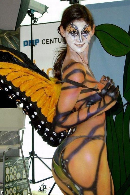 Эротические костюмы на Хэлллоуин - Бодиарт (40 фото)