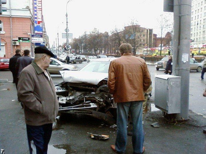 Авария в Перми. Автобус без тормозов (16 фото)