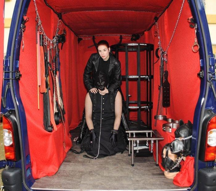Садо-мазо фургон (13 фото)