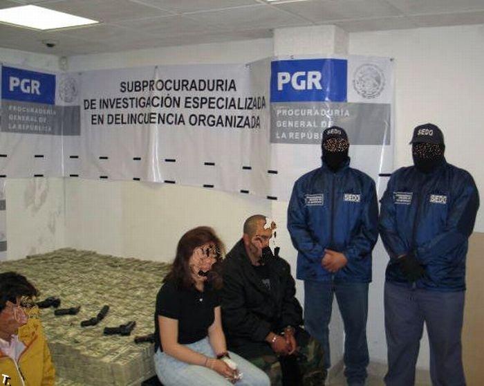 Вещи, конфискованные у мексиканских наркобаронов (32 фото)
