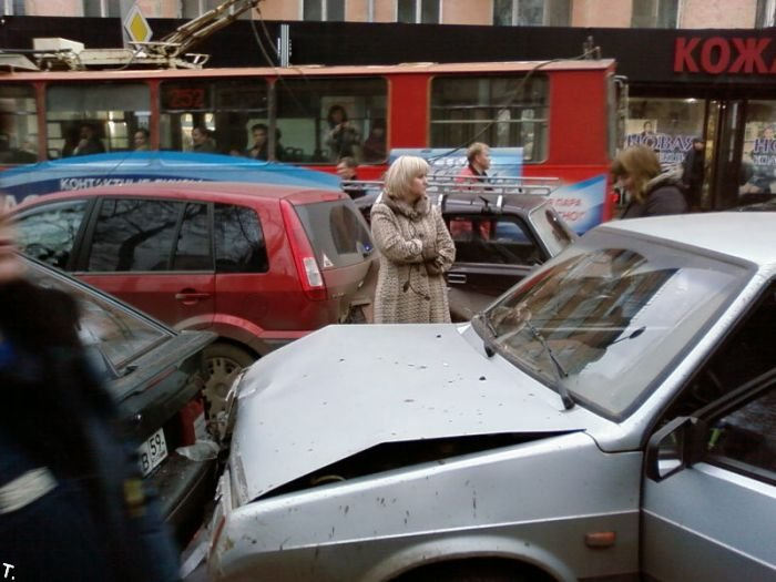 авария в трамвае и знакомство