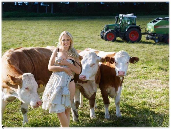 Календарь немецких фермерш (12 фото)