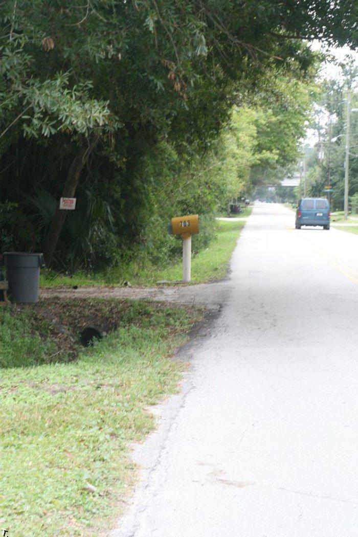 Jeep Grand Cherokee против почтового ящика (21 фото)