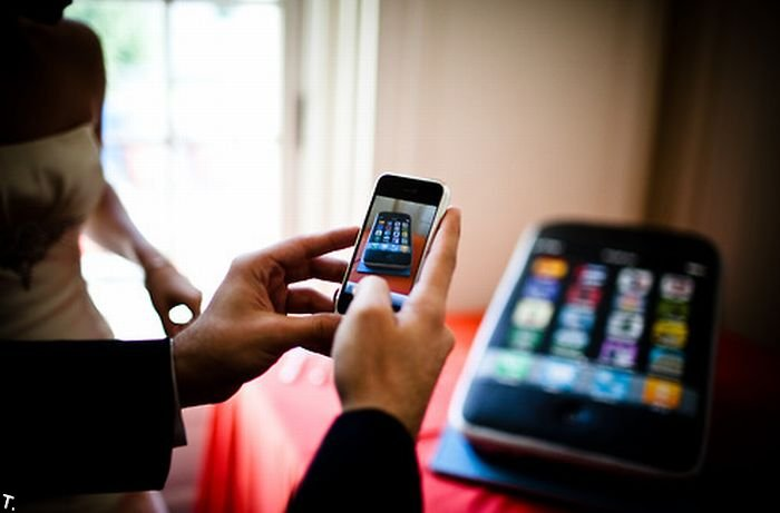 Свадебный торт в виде iPhone (9 фото)