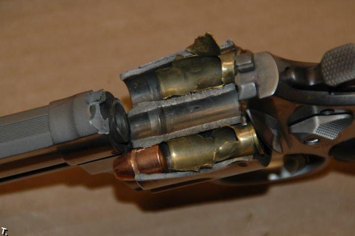 Неудачный выстрел (4 фото)