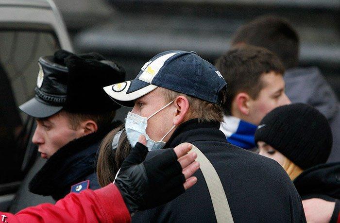 Свиной грипп. Украина в повязках (23 фото)