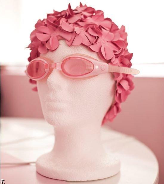 Женщина, которая любит розовый цвет (14 фото)