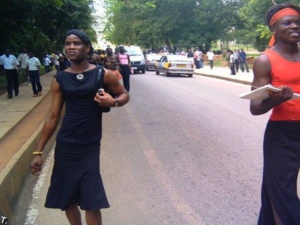 Парад африканских трансвеститов (23 фото)