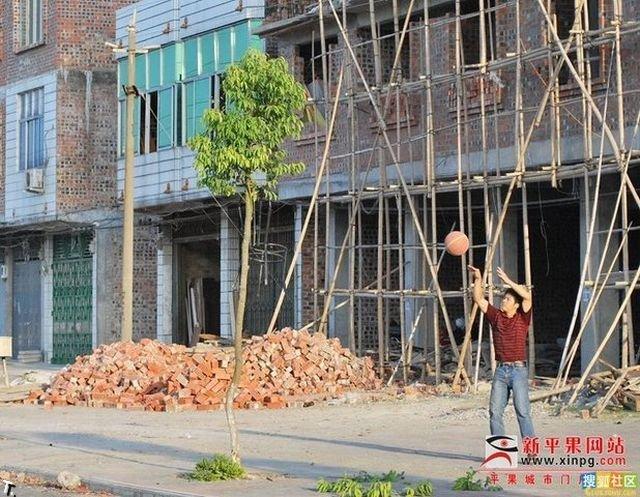 В баскетбол можно играть везде (9 фото)