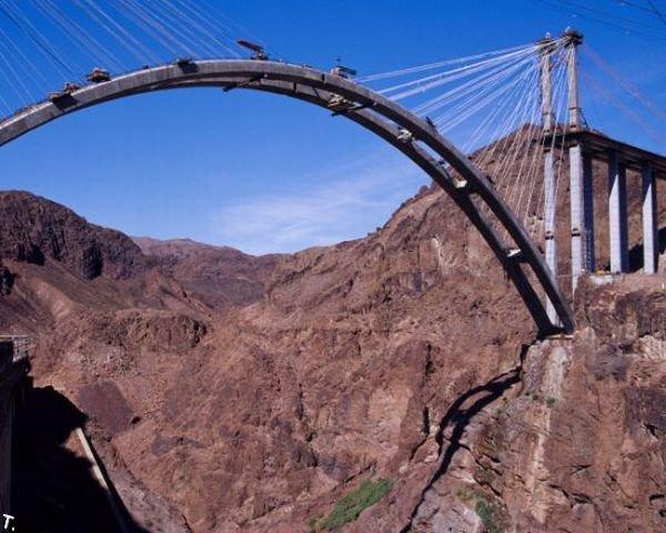 Мост через дамбу Гувера (23 фото)