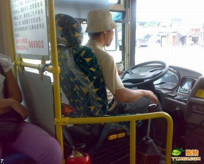 Сумасшедшие китайские водители автобусов (8 фото)