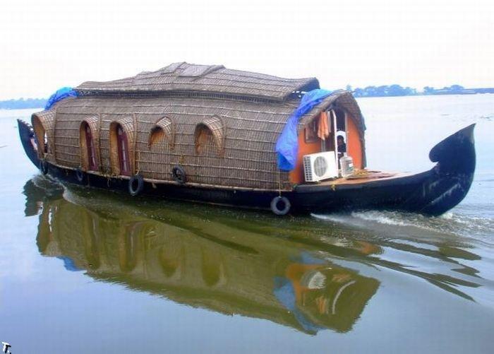 Индийские лодки - отели