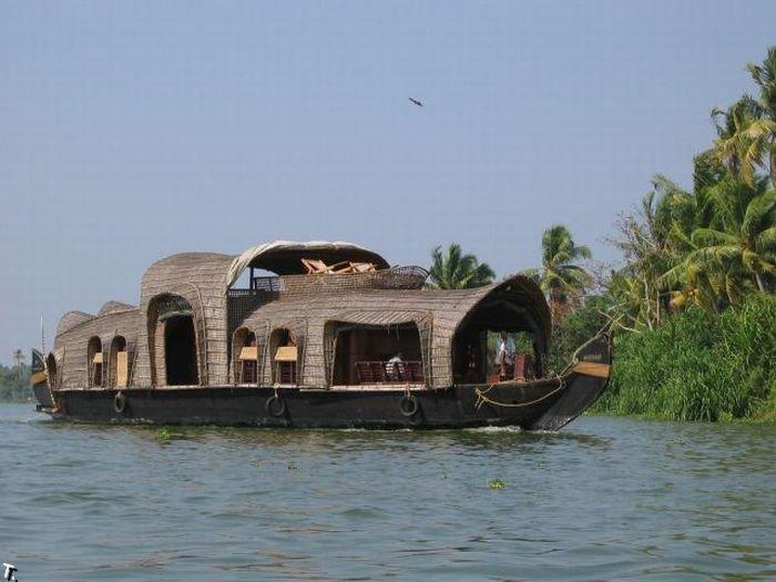 Индийские лодки-дома (21 фото)