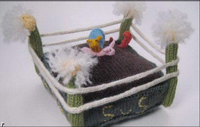 Вязанные крошечные вещи (58 фото)