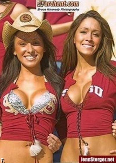 Сексуальная футбольная фанатка (29 фото)