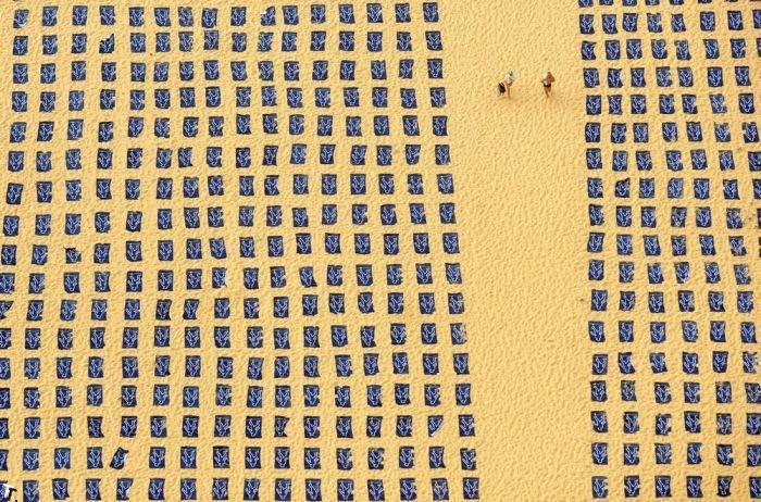 Социальная реклама на пляже в Сиднее (6 фото)