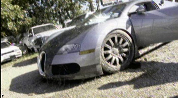 Фотографии разбитого Bugatti Veyron (18 фото)