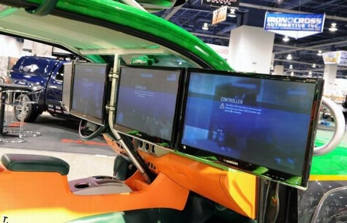 Автомобиль для настоящего геймера (14 фото)
