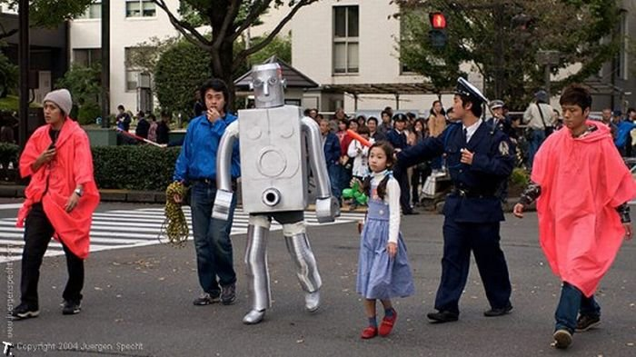 Робот-извращенец из Японии (7 фото)