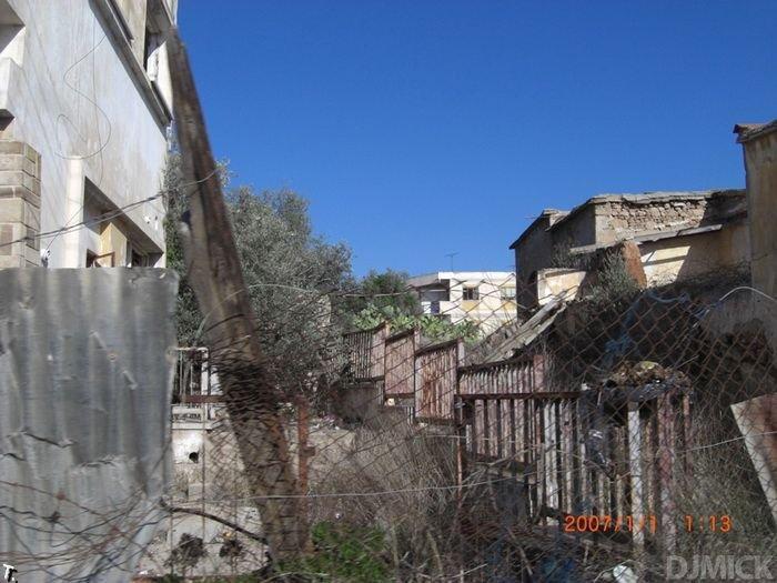 Заброшенный курорт Вароша на Кипре (52 фото)