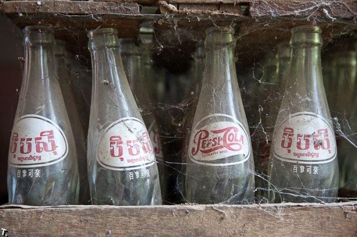 Заброшенный завод Pepsi в Баттамбанге, Камбоджа (12 фото)