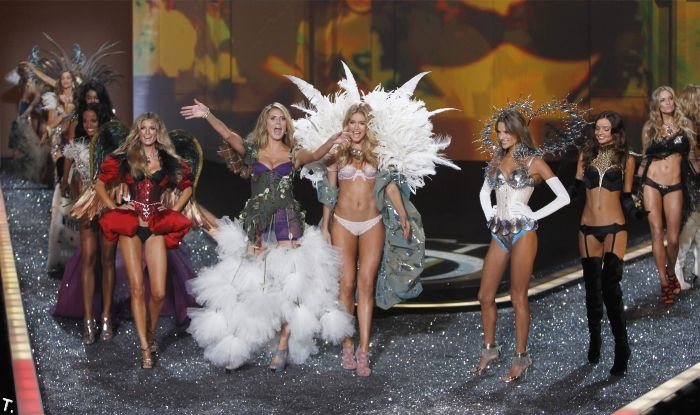 Victoria's Secret Fashion Show 2009 (98 фото)