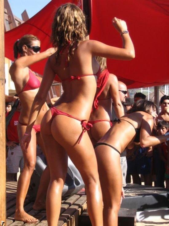 Девушки в бикини из Чили (76 фото)