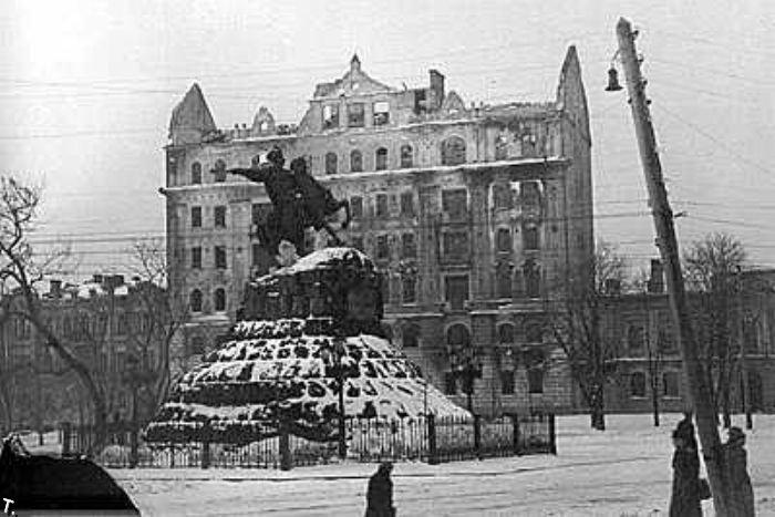 Улица Воровского (ныне - Бульварно-Кудрявская), фотограф смотрит вниз, в...