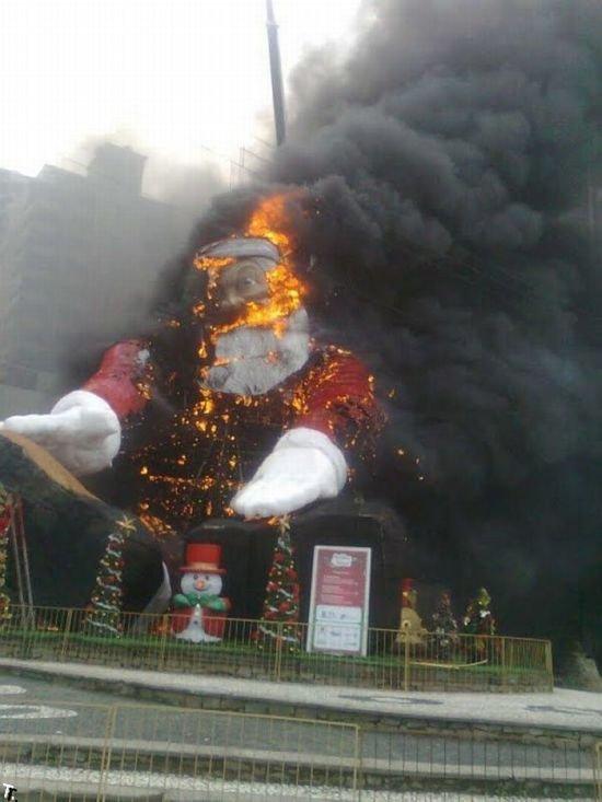 Санта Клаус не дожил до Рождества (9 фото)