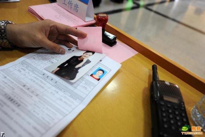 Кастинг новых стюардесс и стюардов в Китае (12 фото)