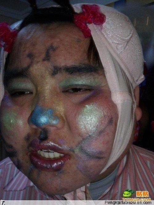 Смешной парень на улице в Китае (10 фото)