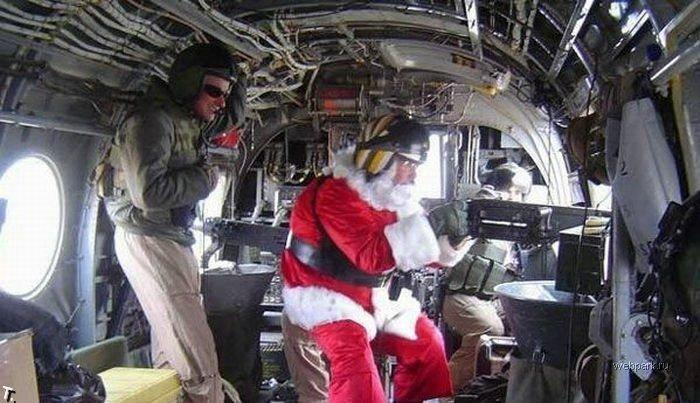 Смешные Санта Клаусы (28 фото)