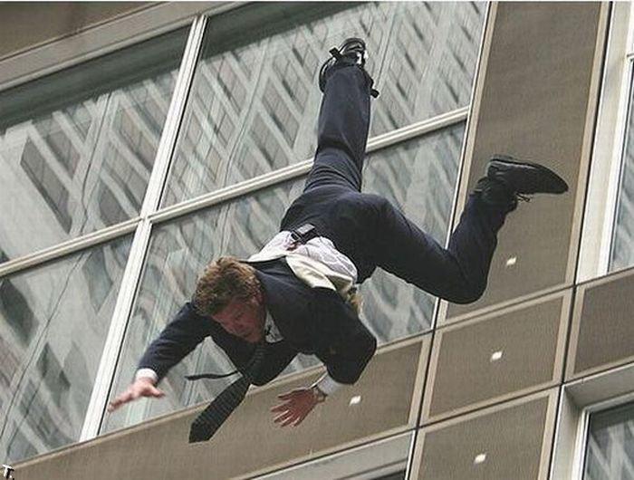 человек падает с крыши картинки шакира