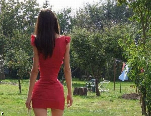 Девушка с удивительной талией (3 pics)