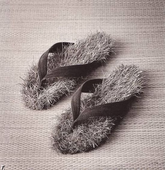 http://cdn.trinixy.ru/pics4/20091208/amazing_photos_by_chema_madoz_15.jpg