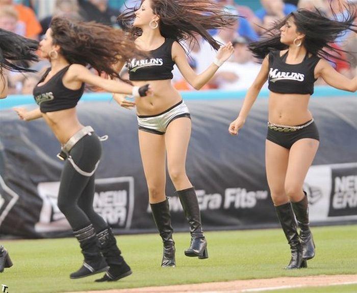 Самые красивые чирлидерши из MLB (33 фото)