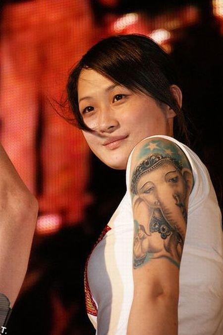 Девушки в татуировках (51 фото)