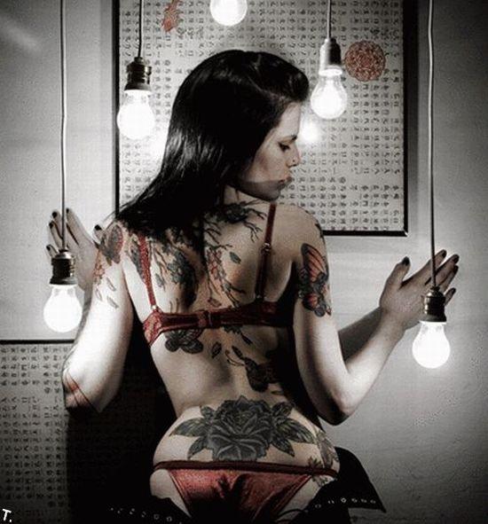 gospozha-v-tatuirovkah