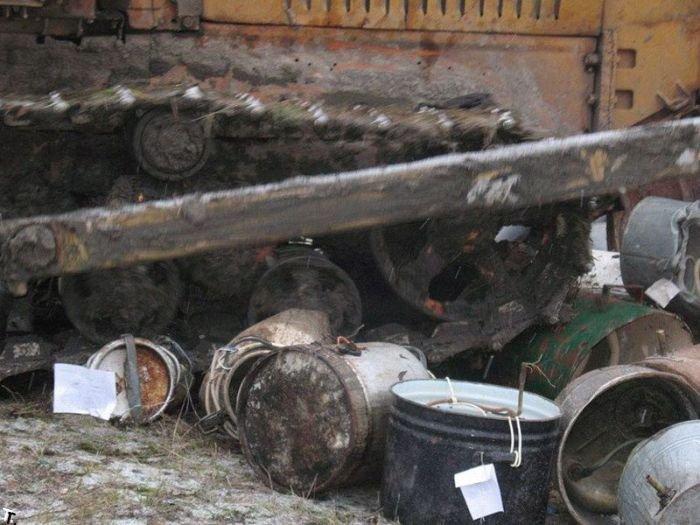 Уничтожение самогонных аппаратов (12 фото)